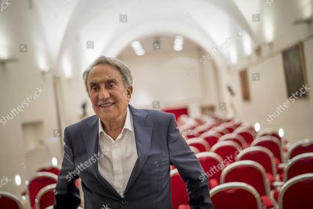 Emilio Fede presents his latest book, 'Se tornassi ad Arcore'
