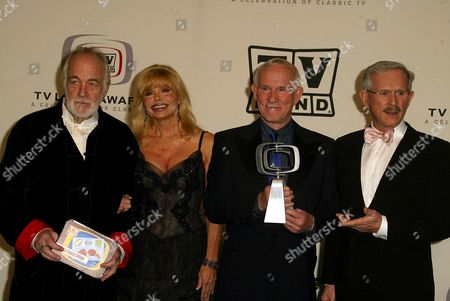 Howard Hesseman, Tom Smothers, Loni Anderson and Dick Smothers