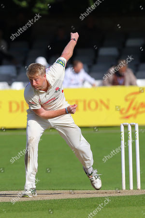 Glen Chapple of Lancashire in bowling action during Essex CCC vs Lancashire CCC, Day Three