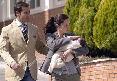 Miguel Baez 'Litri' and Carolina Adriana Herrera with baby