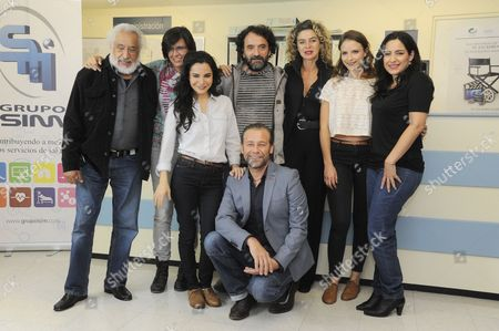 Rafael Inclan, Martha Higareda, Margarita Rosa de Francisco, Tiare Scanda and Juan Manuel Bernal