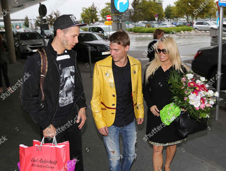 Florian Wess with Dominik Reiterer, organiser of the Wiesenfestes and Pamela Anderson