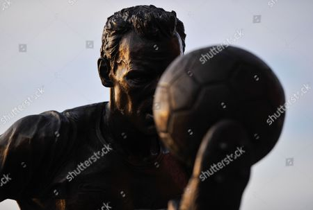 The Dennis Bergkamp statue outside of The Emirates during the UEFA Champions League Group F match between Arsenal and Olympiakos played at The Emirates, London on September 29th 2015