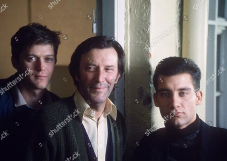 WAYNE FOSKETT, TOM BELL AND CLIVE OWEN IN 'CHANCER' - 1990