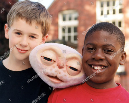 LOUIS McKENZIE AND MATTHEW BARKER WITH WHIZZIWIG IN 'WHIZZIWIG' - 1998