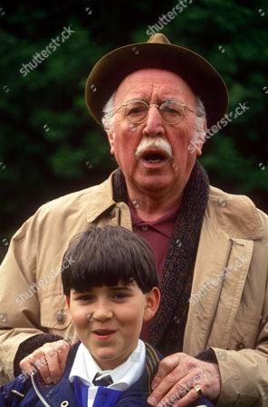 LIONEL JEFFRIES AND ADAM ROPER IN 'WOOF' - 1993