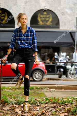 Zoe Huxford Model Off Duty on Viale Piave, after Dolce & Gabbana ready to wear Spring Summer 2016.