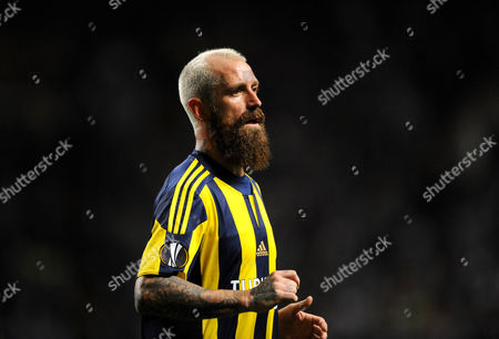 Raul Meireles of Fenerbache during the UEFA Europa League Group A match between Celtic and Fenerbache played at Celtic Park, Glasgow