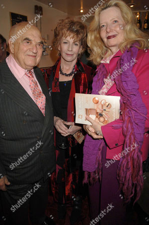 LORD WEIDENFELD AND EDNA O'BRIEN (C) AND HIS WIFE ANNABELLE WHITESTONE