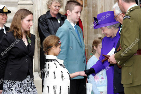 QUEEN ELIZABETH II MEETING 8 YEAR OLD SHANI MAIA ANDERSON.
