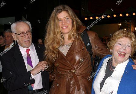 Eli Wallach, Anne Jackson with their daughter