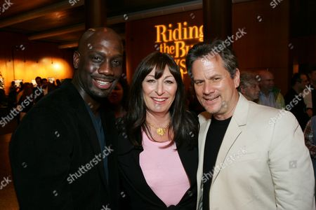 Richard T. Jones, Anjelica Huston and Larry Sanitsky