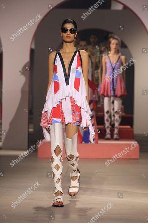 Bhumika Arora on catwalk