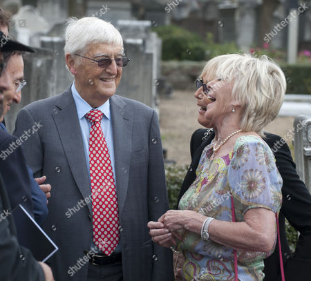 Family And Friends Including Geraldine Winner And Michael Parkinson Gather For The Unveiling Of A Headstone Of Film Director Michael Winner At The Jewish Cemetery In Willesden North London.