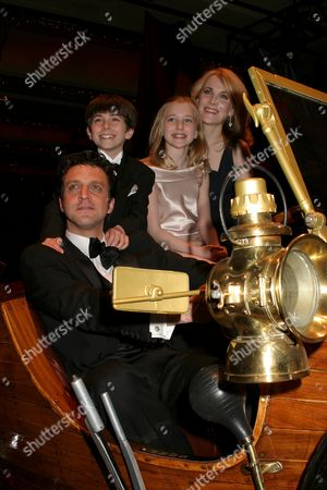 Raul Esparza, Erin Dilly, Henry Hodges, Ellen Marlow