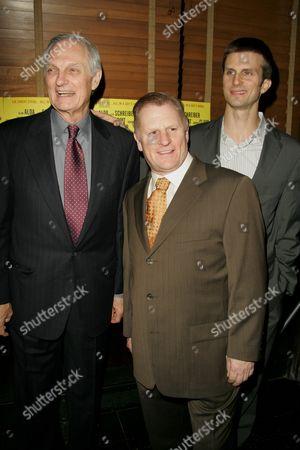 Alan Alda, Gordon Clapp and Fred Weller