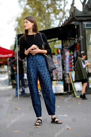 Julia van Os model off duty after Stella McCartney ready to wear fashion show SS16 FW15, rue scribe, Paris