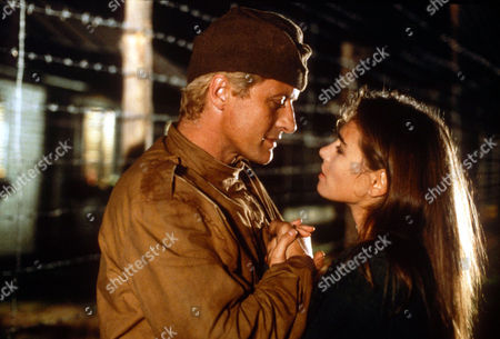 RUTGER HAUER AND JOANNA PACULA IN 'ESCAPE FROM SOBIBOR' - 1987