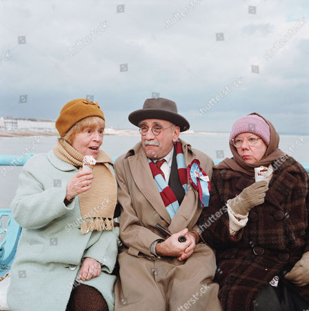 PATRICIA HAYES, WARREN MITCHELL AND DANDY NICHOLS IN 'TILL DEATH' - 1981