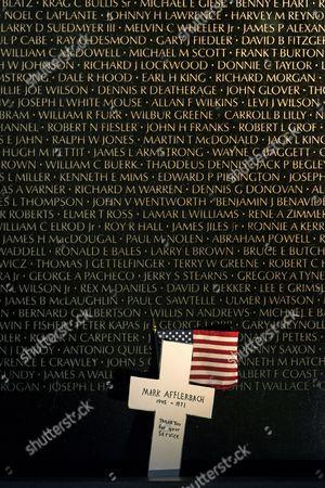 Memorial wall, Vietnam Veterans Memorial, Washington DC, USA