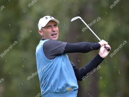 Nasser Hussain, former England cricket captain playing in The Pro-am of The British Masters Golf @ Woburn. 7.10.15. Pic: Hugh Routledge
