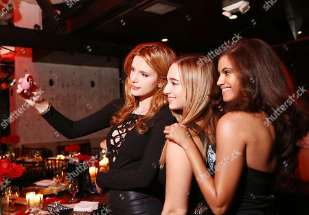 Bella Thorne, Alexa Yarnell, Olivia Grace