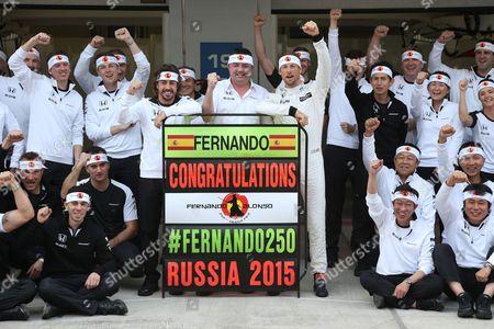 #14 Fernando Alonso (ESP, McLaren Honda), Eric Boullier (FRA, McLaren Honda), #22 Jenson Button (GBR, McLaren Honda)