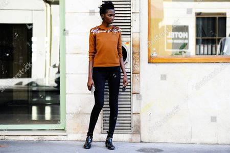 Aamito Lagum Model Off Duty after Dries Van Noten ready to wear, Paris Fashion Week Spring Summer 2016. Paris 2015.