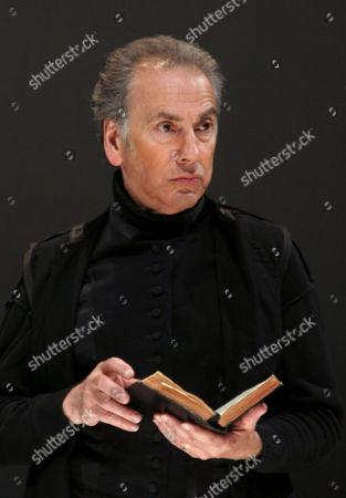 King Lear - Raad Rawi as Albany