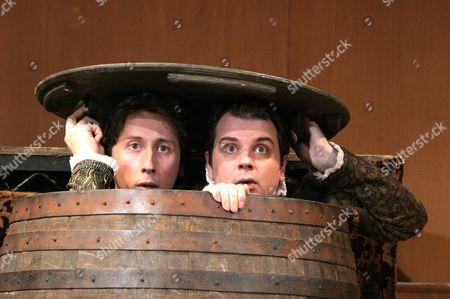 'Rozencrantz and Guildenstern are Dead' English Touring Theatre - Nicholas Rowe (Rosencrantz), James Wallace (Guildenstern )