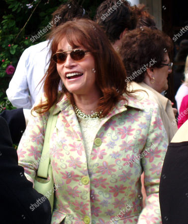 Margot Kidder greets a guest after the marriage of her niece, Janet Kidder.