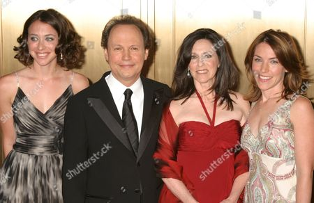 Lindsay Crystal, Billy Crystal with wife Janice and Jennifer Crystal