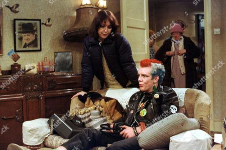 Una Stubbs and John Fowler in 'Till Death' - 1981