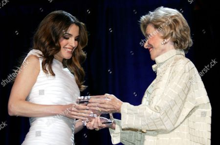Joan Ganz Cooney founder of the Sesame Foundation presenting Queen Rania with the Sesame Workshop Award 2005