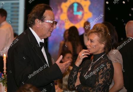 Maurice Saatchi an Karen Millen