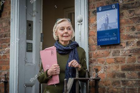 Sophie Hill [Eileen Nicholas].