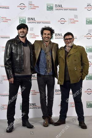 Laurent Laffargue (C) with Eric Cantona and Sergi Lopez
