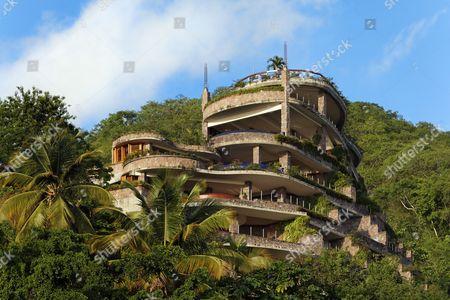 Jade Mountain luxury hotel, no external wall, rain forest, Saint Lucia, Windward Islands, Lesser Antilles, Caribbean, Caribbean Sea