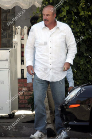 Stock Photo of Dr Phil McGraw has lunch at the Ivy restaurant in Beverly Hills
