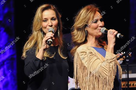 Stock Picture of Loretta Lynn's daughter's Peggy Lynn and Patsy Lynn