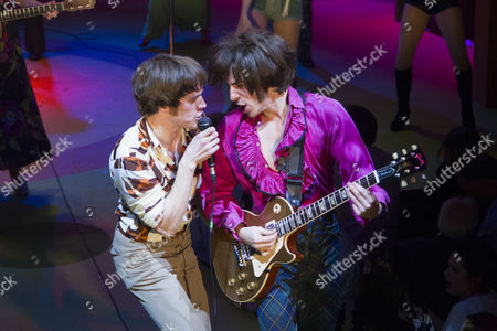 Danny Horn (Ray Davies) and Oliver Hoare (Dave Davies) during the curtain call