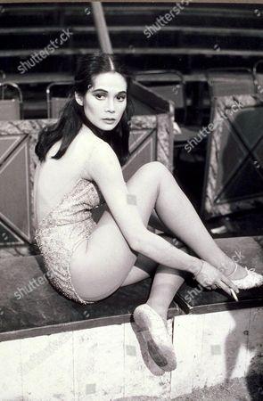 NANCY KWAN 1964