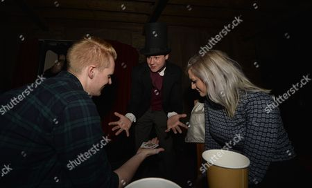 Magician Archie Manners
