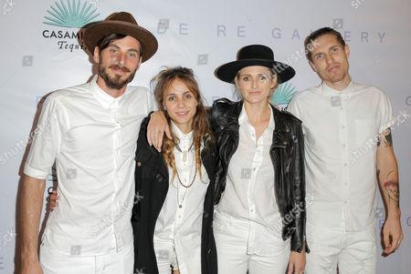 Dead Sara. Emily Armstrong, Siouxsie Medley, Sean Friday, Chris Null