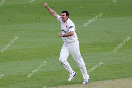 David Masters of Essex celebrates the wicket of Graeme Smith