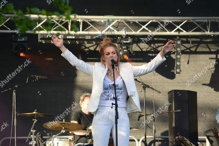 Jo Harman singer Dart Music Festival at Dartmouth Devon Uk 2015