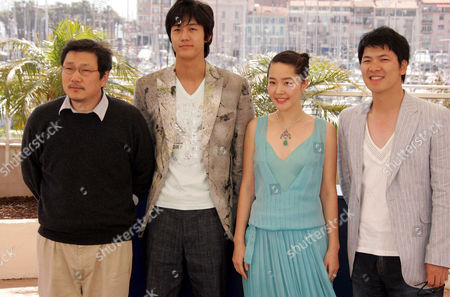 Director Hong Sangsoo, Lee Ki Woo, Uhm Jiwon and Kim Sangkyung.