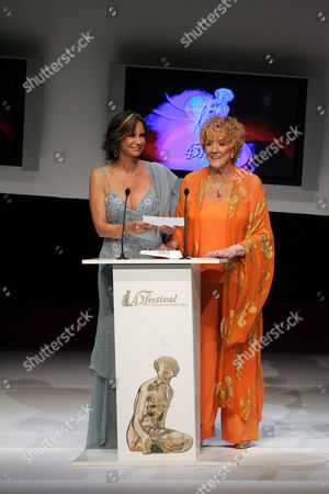 Awards ceremony - Jess Walton and Jeanne Cooper - 01 Jul