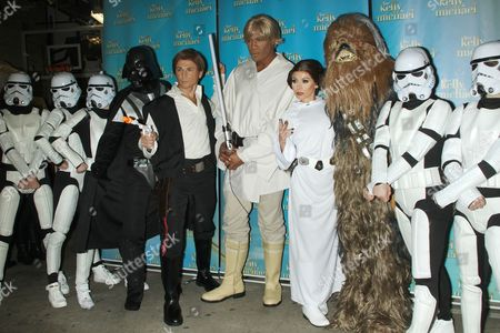 Michael Gelman as Han Solo, Michael Strahan as Luke Skywalker and Kelly Ripa as Princess Leia