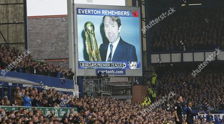 EVERTON'S HOWARD KENDALL REMEMBERED DURING THE MATCH